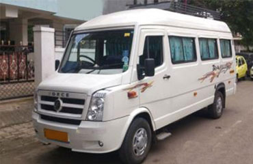 17 Seater Tempo Traveller Hire in Amritsar